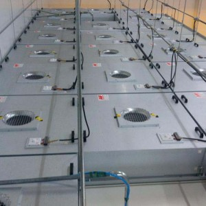 FFU分布在洁净室天花顶部各个角落
