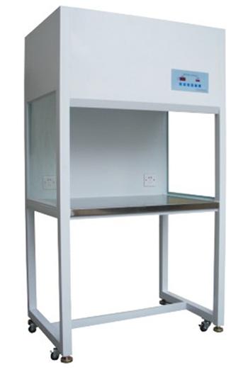洁净工作台是一种提供局部无尘、无菌工作环境的空气净化设备,能将工作区已被污染的空气通过专门的过滤通道人为地控制排放。