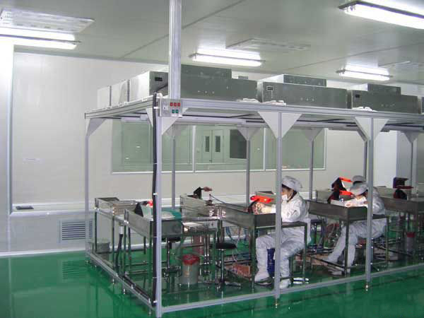 百级洁净棚是一种可提供局部高洁净环境的空气净化设备。