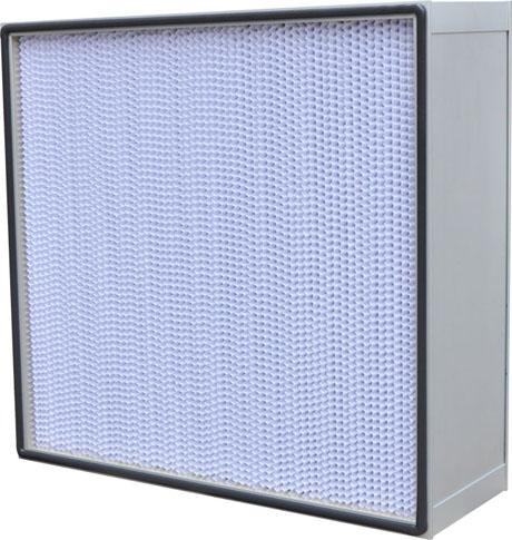 纸隔板高效过滤器主要应用于无尘室和洁净空调送风系统末端,有效的保障了无尘车间的洁净度。