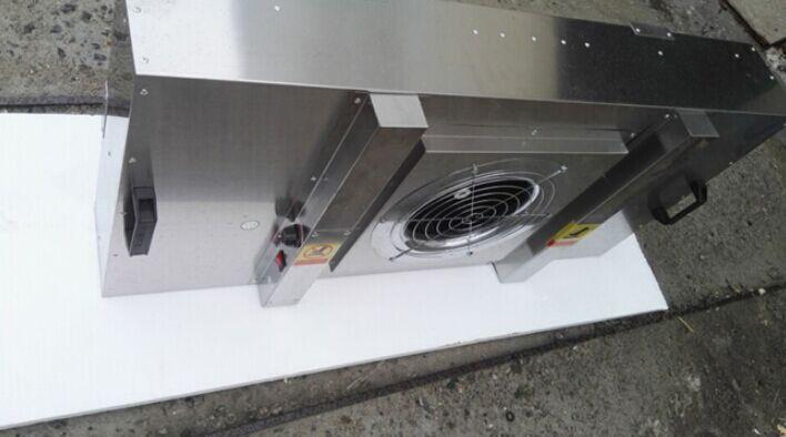 不锈钢FFU顾名思义就是FFU风机箱体采用SUS201或SUS304不锈钢制造的FFU