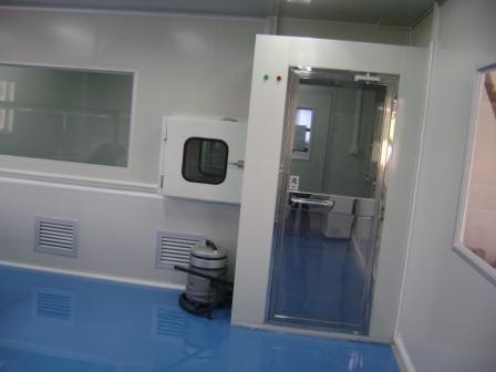 风淋室是无尘室车间所需具备的环境设备之一