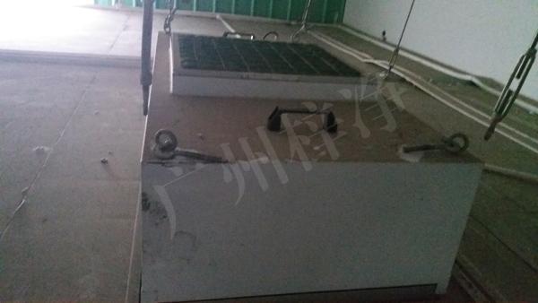 板式初效过滤器安装于FFU顶部