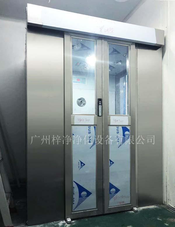 内置自动门风淋室一般用于人员除尘净化