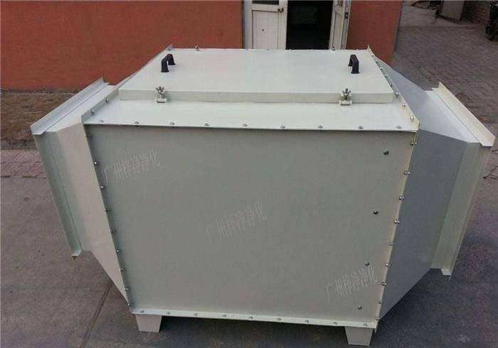 空气过滤箱内部结构装的初效空气过滤器,高效空气过滤器,风机。